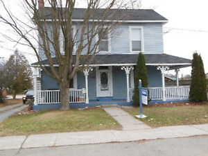 **BOBCAYGEON COACH HOUSE**CLOSE TO TOWN**
