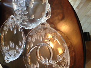 Pretty strawberry etched glass tray, bowl and fruit tray