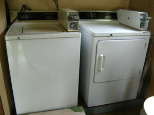 Laveuse et Secheuse Commercial, Payante, Washer and Dryer