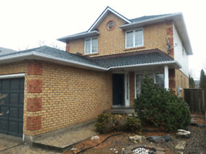 3 BEDS & IN-LAW SUITE DETACHED HOUSE, FRONT LAKE, STONEY CREEK