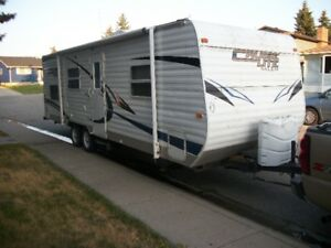 2011  CRUSE LITE   FT W  BUNKS