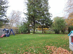 close to schools and downtown - Mitchell Stratford Kitchener Area image 14