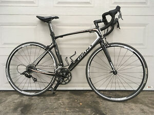 Giant Defy Composite size ML (56cm)