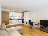 1 bedroom flat in Cobalt Point, Millharbour E14