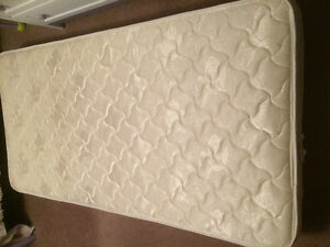 Twin mattress excellent condition