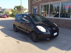 2007 Toyota Yaris LE Hatchback. LOW KM.