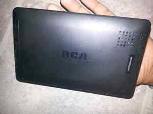 RCA Tablet (2 Tablets) + Keyboard Casing(1) West Island Greater Montréal image 2