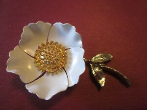 ANTIQUE 50s Painted Metal White Rose w/ Gold Textured Cente