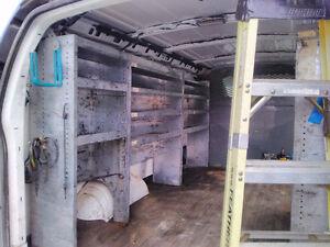 Rack, étagère à  bolts électricien  chevy express 2500, 200$