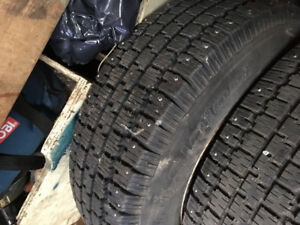 Winter tires studded. Pneu d'hiver clouté