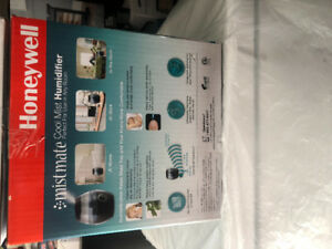 **** COOL MIST HUMIDIFIERS ****