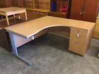 Beech 1600 right hand office desk