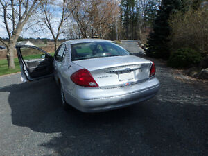 Ford Taurus sel Sedan  Very reliable Belleville Belleville Area image 5