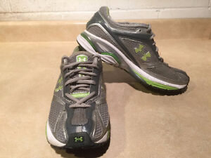 Women's Under Armour FootSleeve Running Shoes Size 9.5 London Ontario image 7