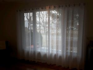 4 panneaux de rideaux plus pôle (tringle)