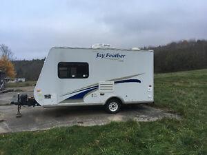 Hybrid camper