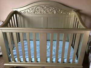 Crib by Bratt Decore