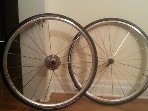 roues mavic modèle aksium race 2013