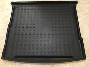 Original Mercedes Benz winter mats, trunk shallow mat ML /GLE