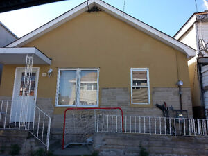 **Great 2 bedroom/1 bath bungalow at great price!!