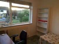 Rooms to rent 1min from Brunel university in Uxbridge for students only