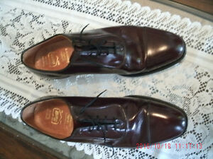 HART SHOES CANADIAN MADE DRESS OXFORDS.