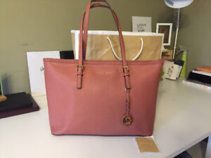Michael Kors -  Leather Jet Set Travel Tote