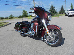 Harley Davidson Street Glide ULTRA LTD LOW KMS MINT