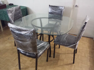 """42"""" Glass top Dining table with 4 chairs"""