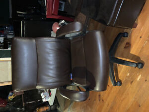 Office chair with storage ottoman