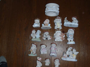 15 Dreamsicle Figurines and 1 Pedestal