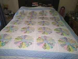 Vintage double sized hand made quilt. London Ontario image 1