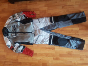 Motor cycle suit