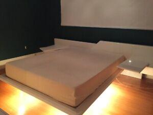 mobilier de chambre et base de lit Queen