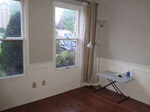 Oct move in; close to Trent U; for male student/ male young prof Peterborough Peterborough Area image 4