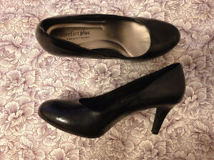 Classic Black heels shoes for sale - size 5.5 - GREAT CONDITION