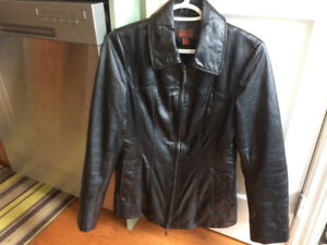 NEW Ladies *DANIER* All Season LEATHER Coat --- Size SMALL