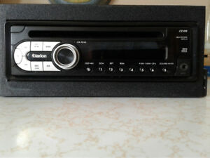 Clarion   Stereo/ cd player