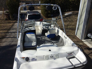 Bayliner 175 xt flight series 2007 Wakeboard Tower and trailer