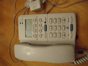 Téléphone avec afficheur