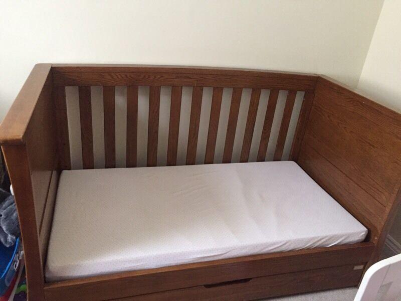 Mama and Papa ocean nursery furniture set of 4