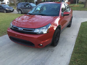 2011 Ford Focus SES Sedan (SAFETIED) $5,900 Taxes included