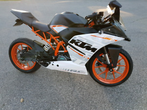 2016 KTM RC390 in excellent condition