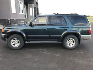 1998 Toyota 4Runner Limited - Low KM!