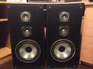 2 Haut parleurs / speakers Sanyo