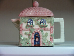 CERAMIC WHITE SWAN & TEA POT  LIKE SMALL COTTAGE PINK   GREEN WH