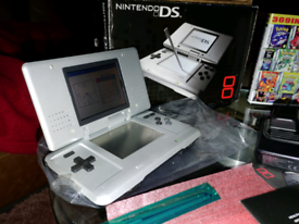 Nintendo DS boxed with 369 in 1 gba game