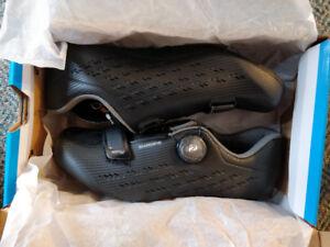 Road Cycling Shoes - Shimano RP5 SH-RP501 - US 8.3 - EU 42