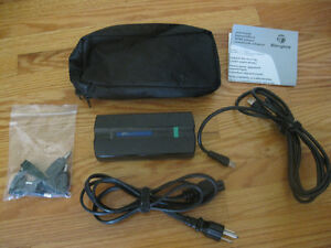 Targus Universal 90W Power adapter + 7 tips and carrying case