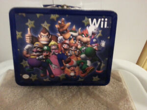 NINTENDO  Wii  TIN   LUNCH  BOX